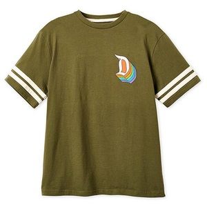 NEW Disneyland T-shirt for adults